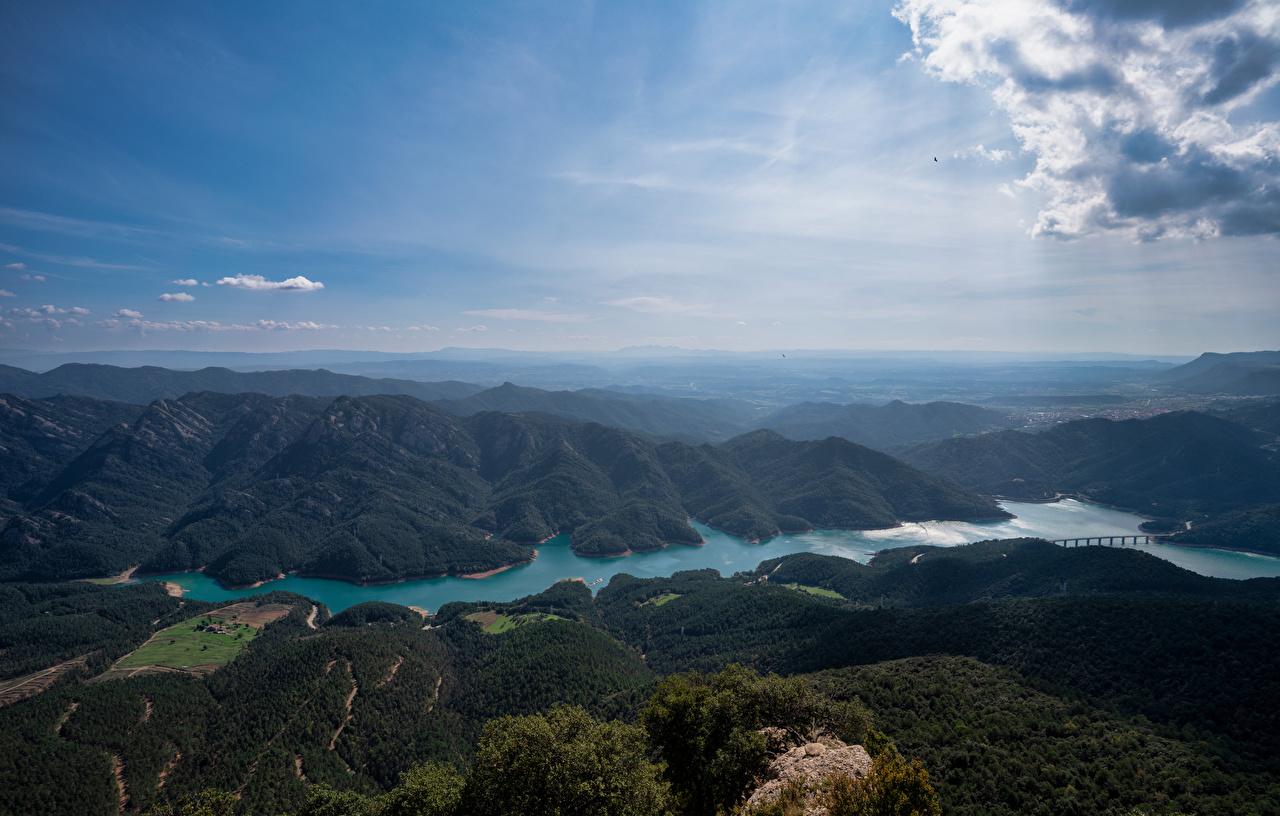Фотография Испания Embalse de la Baells, Catalonia гора Природа Небо Озеро речка Сверху Облака Горы Реки река облако облачно