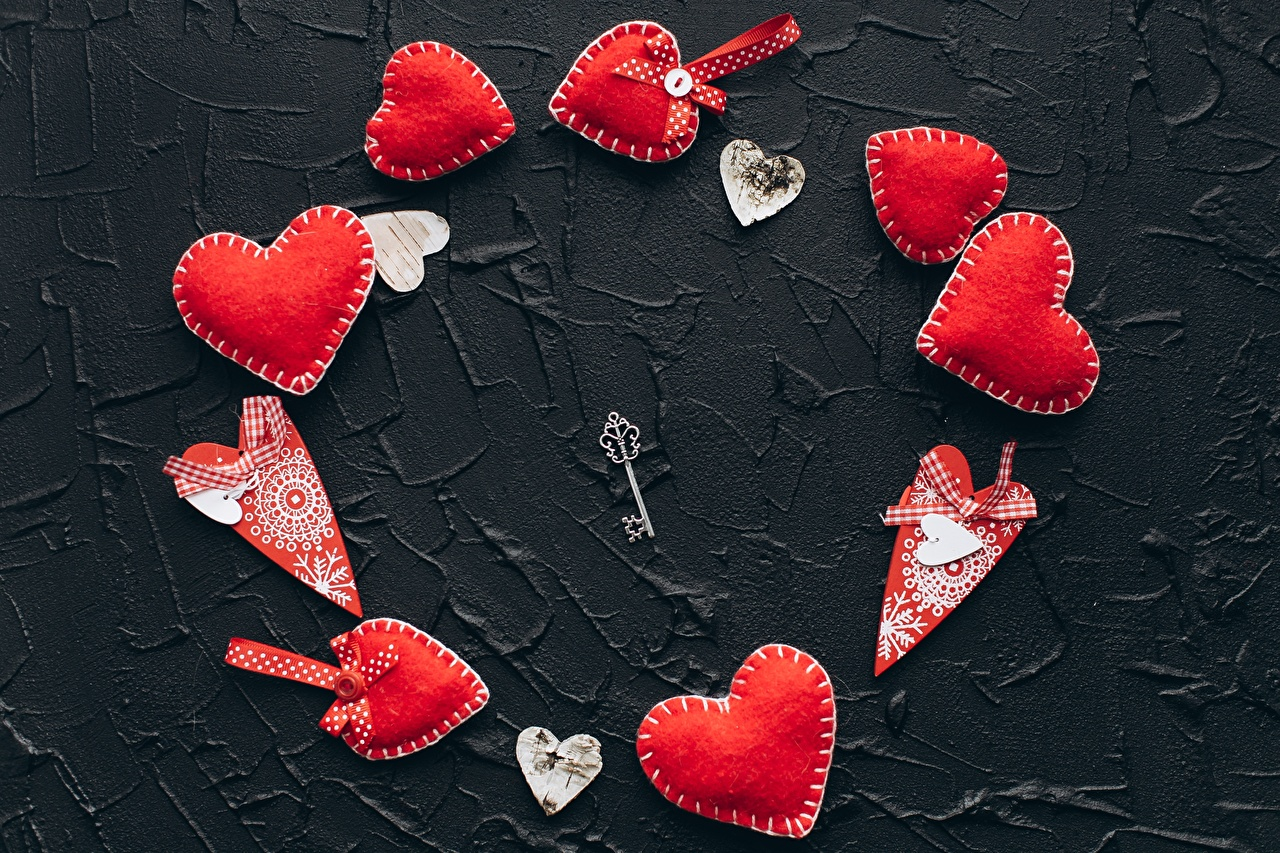 Картинки День всех влюблённых Сердце красных ключом День святого Валентина серце сердца сердечко Красный красные красная ключа Замковый ключ