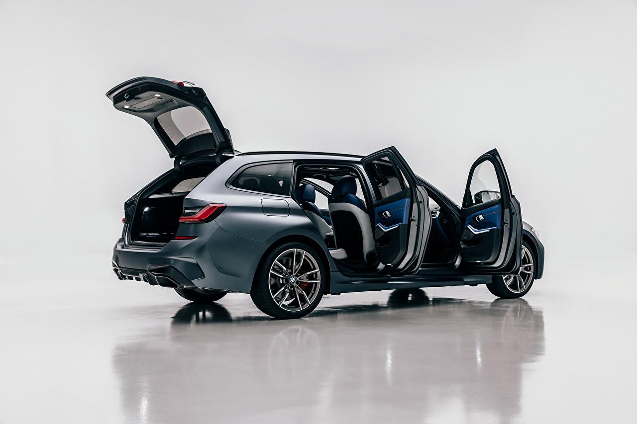 Обои для рабочего стола BMW Универсал Открытая дверь M340i xDrive Touring, Worldwide, G21, 2020 Сбоку Металлик Автомобили БМВ авто машины машина автомобиль