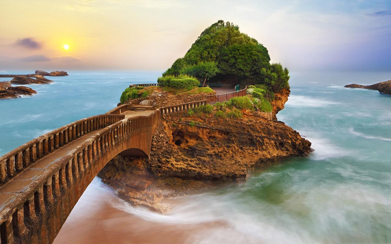 Фотографии Франция Biarritz Море Мосты скалы Природа мост Утес Скала скале