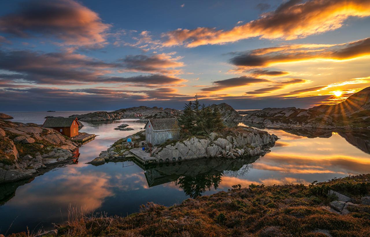 Фотография Норвегия Rogaland солнца Природа Небо Пейзаж Остров рассвет и закат заливы Здания облачно Солнце Рассветы и закаты Залив залива Дома облако Облака