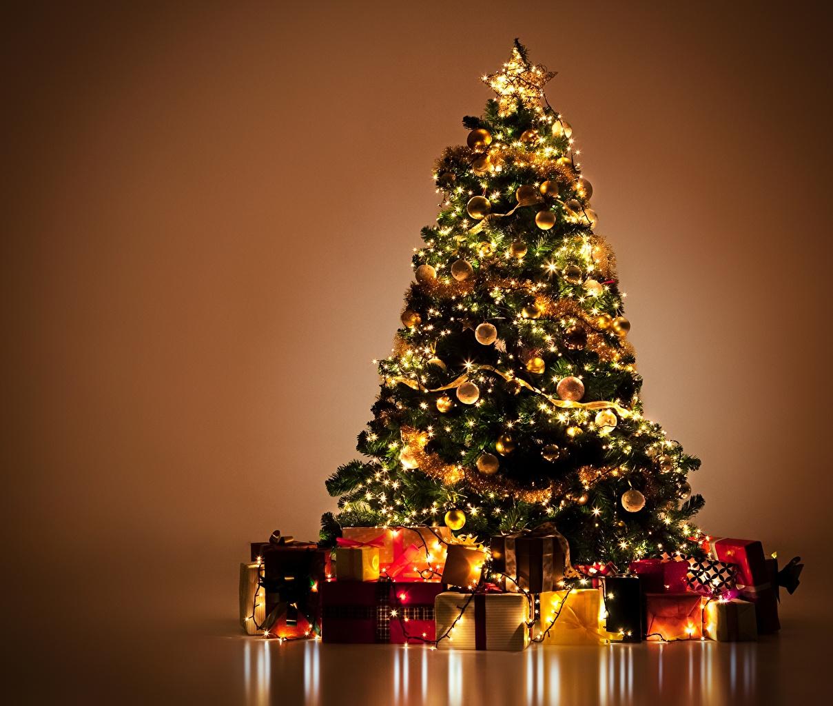 Новогодняя елка обои на рабочий стол 9