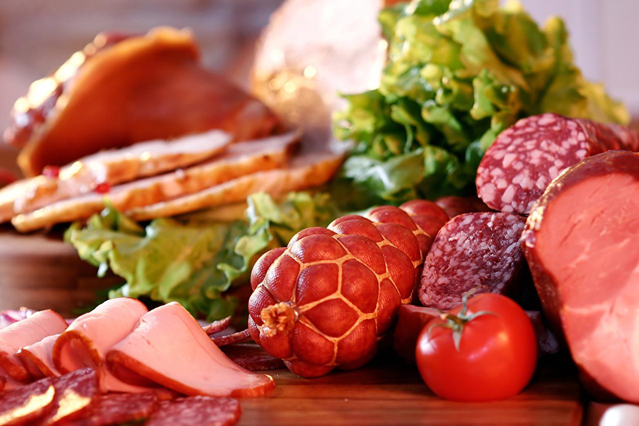 Картинки Томаты Колбаса Ветчина Продукты питания Мясные продукты Помидоры Еда Пища