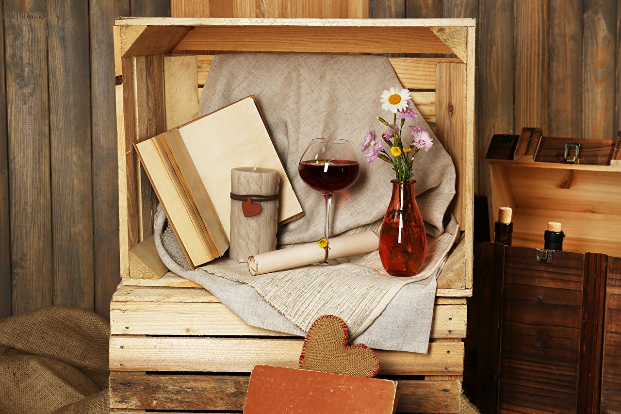 Картинки Вино ромашка вазы Книга бокал Натюрморт Напитки Ромашки вазе Ваза книги Бокалы напиток