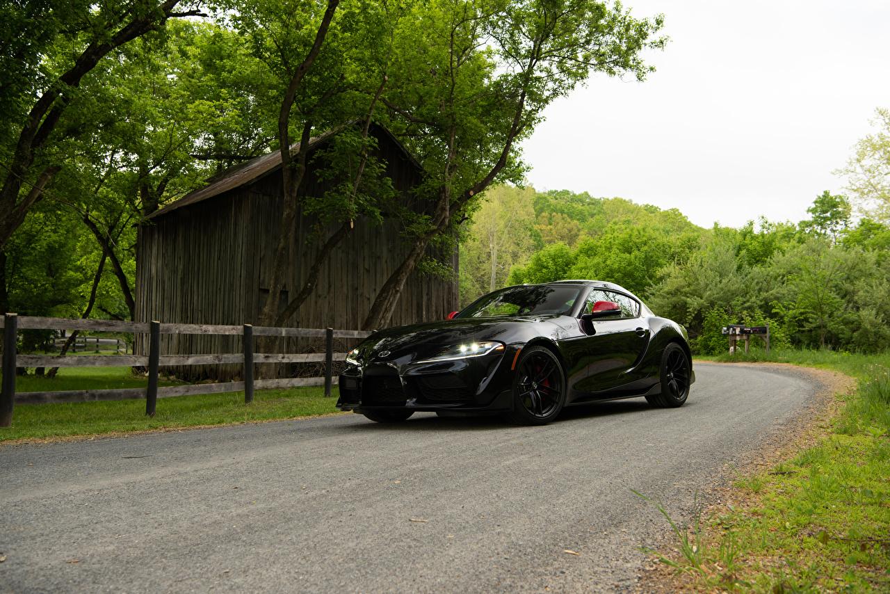 Фотографии Toyota 2020 GR Supra Launch Edition Черный машины Металлик Тойота черная черные черных авто машина Автомобили автомобиль