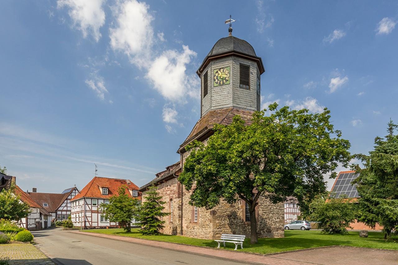 Фотографии Церковь Германия Башня Eberschütz Часы Небо улице Города башни улиц Улица город