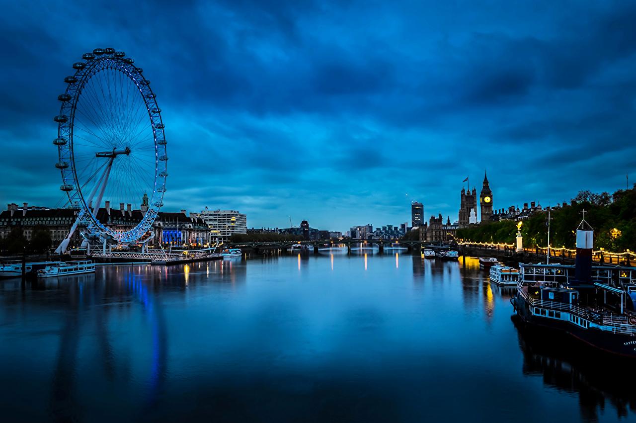 Обои для рабочего стола Лондон Великобритания Westminster колесом обозрения Ночь Пирсы речка Катера Города Здания лондоне Колесо обозрения река Реки ночью в ночи Ночные Причалы Пристань Дома город