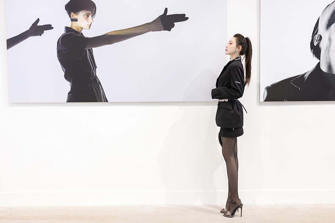 Картинки колготок жесты Девушки Ноги Азиаты Сбоку Колготки колготках Жест девушка молодая женщина молодые женщины ног азиатки азиатка