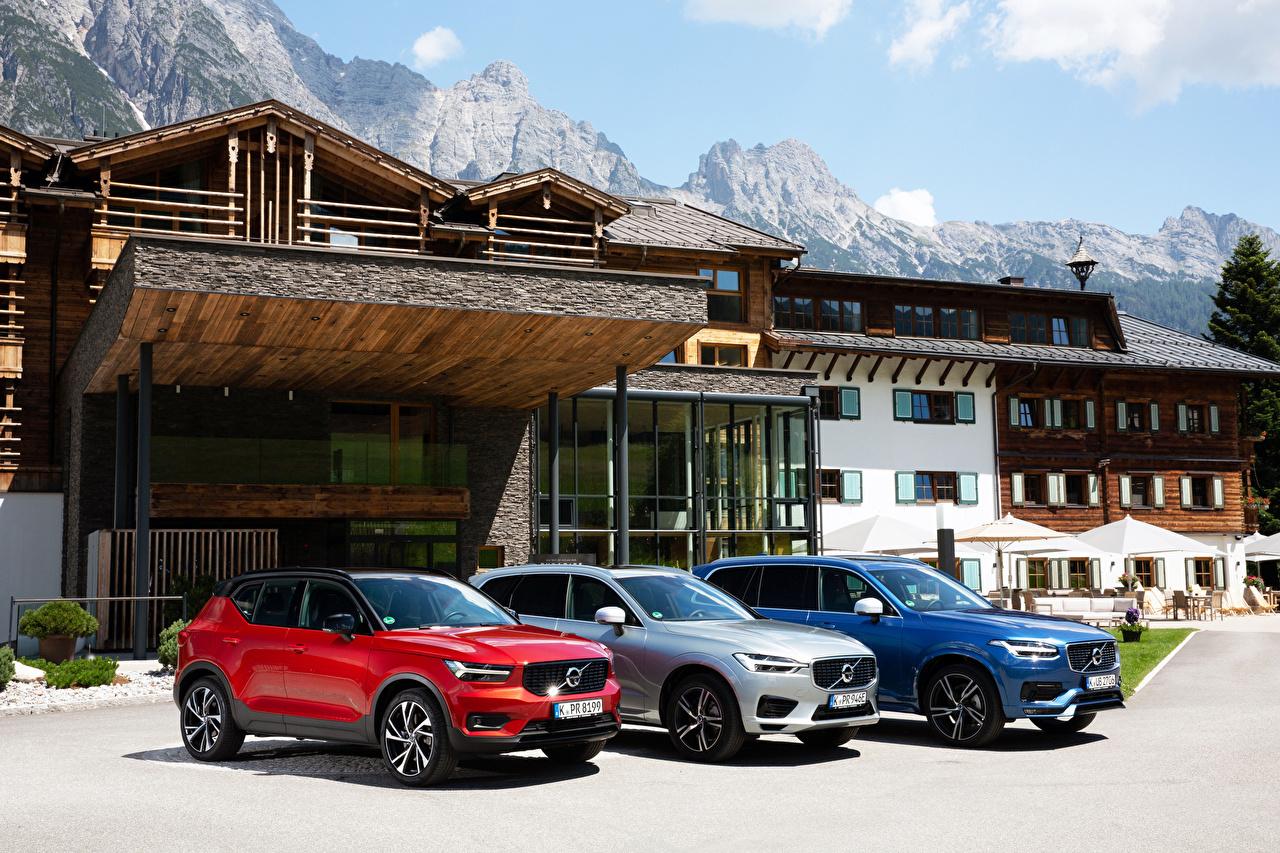 Обои для рабочего стола Volvo XC90, XC60, XC40 три Автомобили Вольво авто Трое 3 машина машины втроем автомобиль
