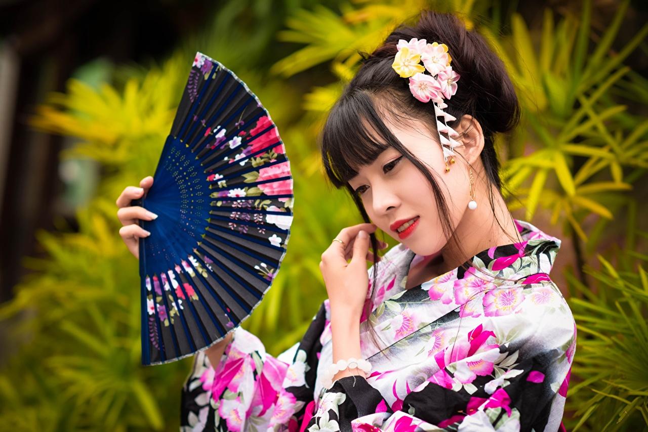 Фото Размытый фон Веер молодая женщина Азиаты Руки боке девушка Девушки молодые женщины азиатки азиатка рука