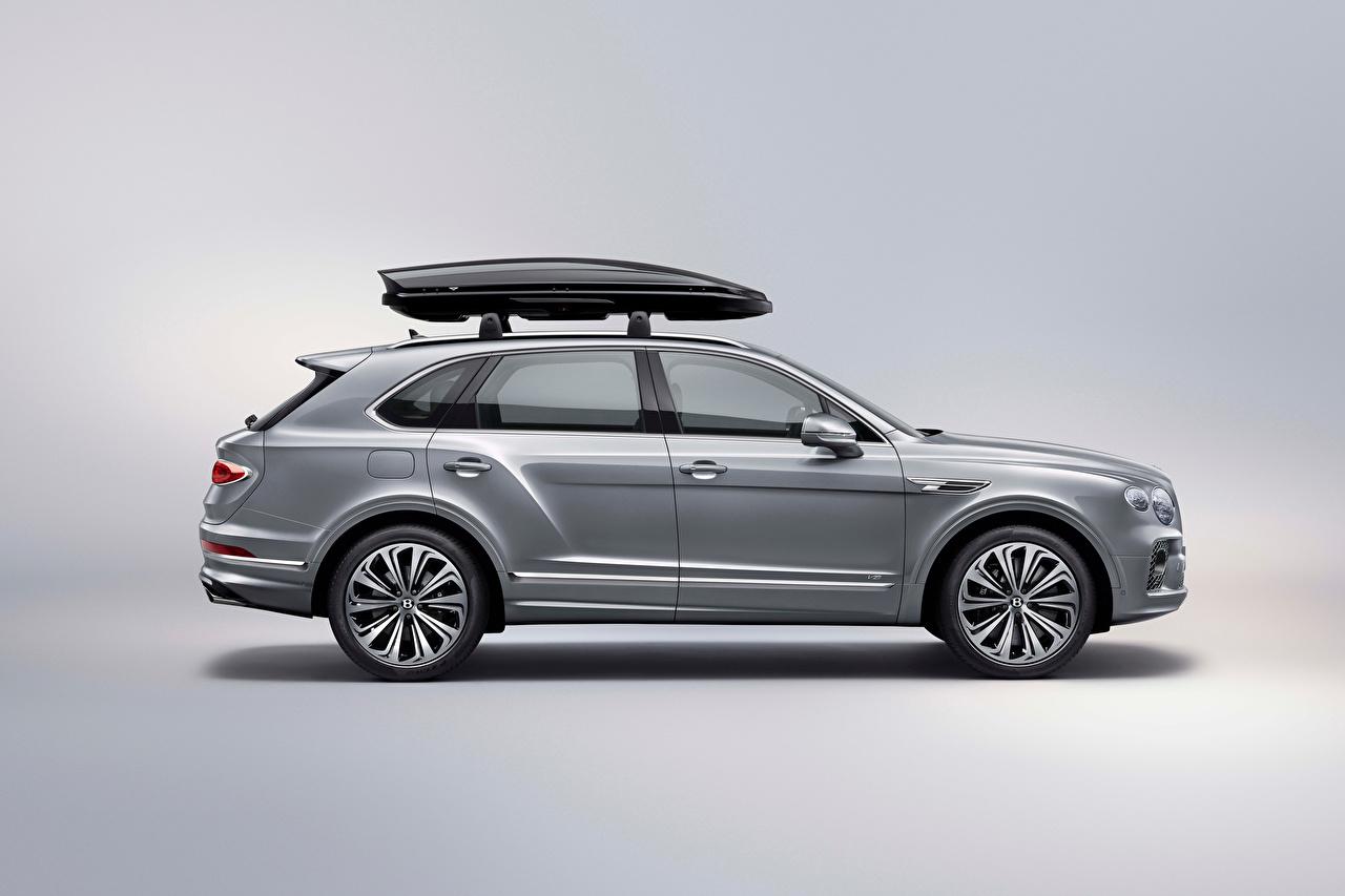 Фотография Bentley CUV Bentayga V8 Worldwide, 2020 Серый Сбоку машина Металлик Бентли Кроссовер серая серые авто машины Автомобили автомобиль