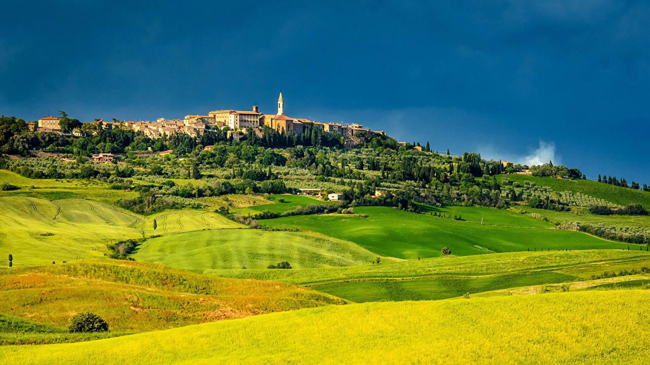 Фотография Тоскана Италия Природа Поля Пейзаж Города Здания Дома город