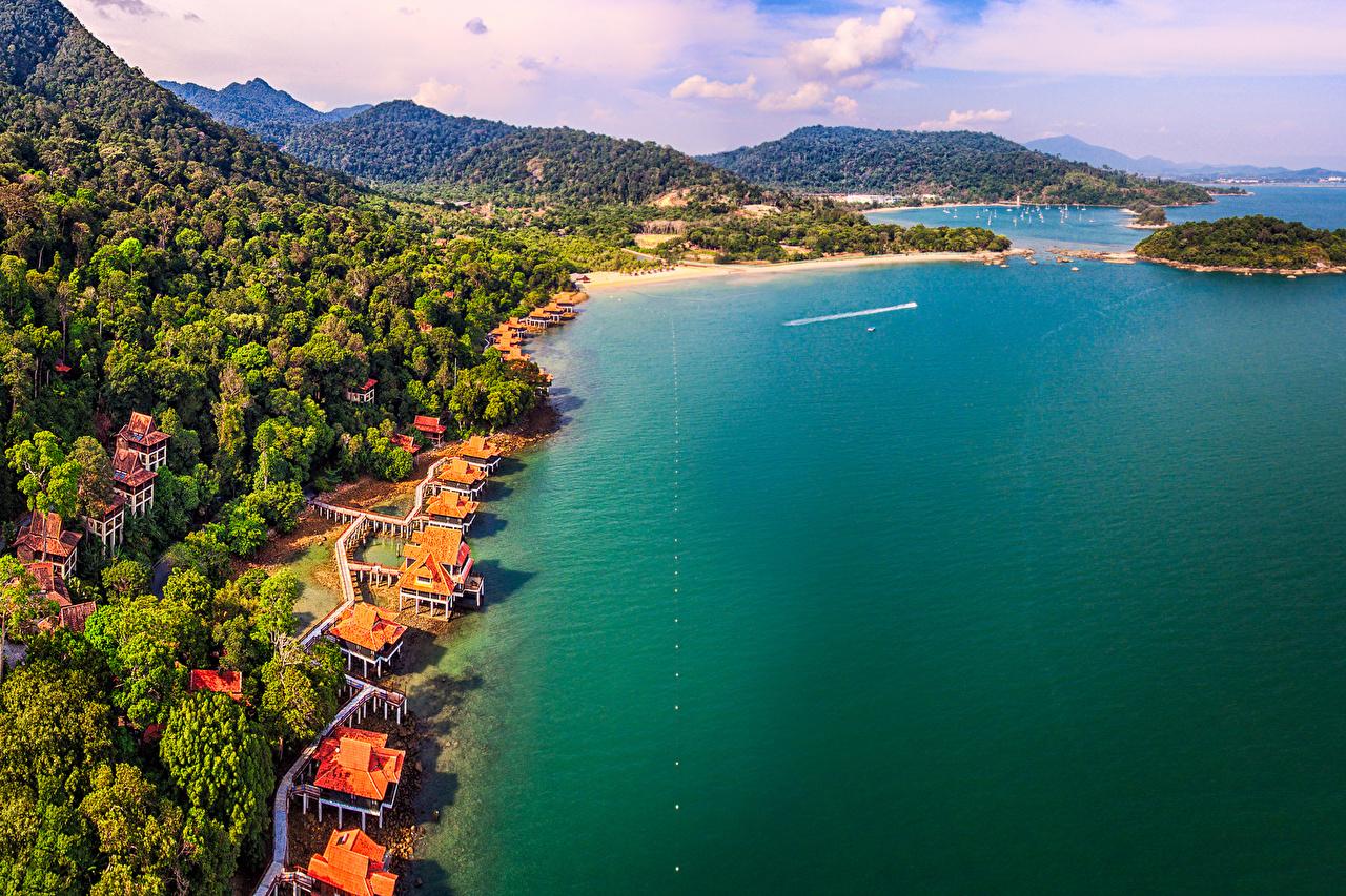 Картинки Малайзия Langkawi пляжи Горы Природа Леса тропический берег Пляж пляжа пляже гора лес Тропики Побережье