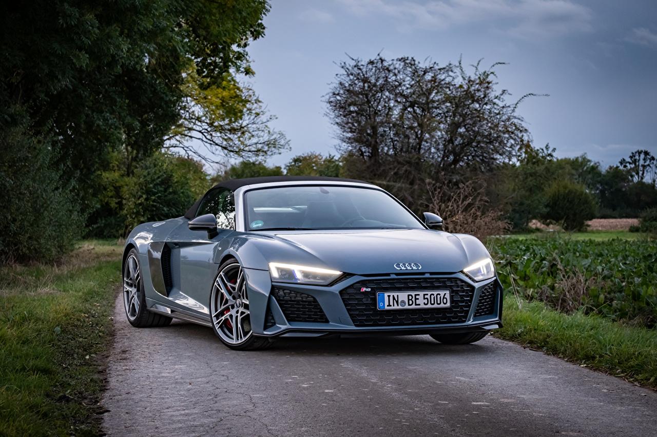 Картинка Ауди R8 V10 performance Spyder, 2020 Родстер серая машины Металлик Audi Серый серые авто машина Автомобили автомобиль