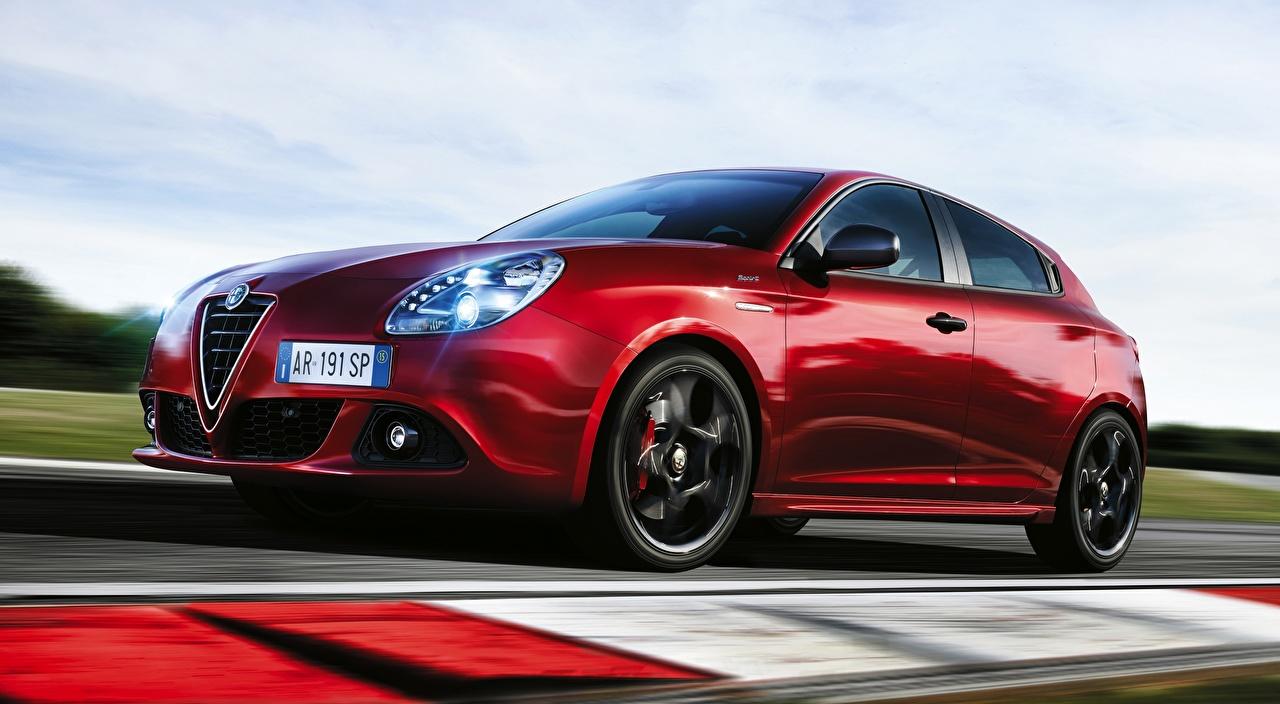 Фотография Alfa Romeo Размытый фон красных скорость авто Альфа ромео боке Красный красные красная едет едущий едущая Движение машина машины автомобиль Автомобили