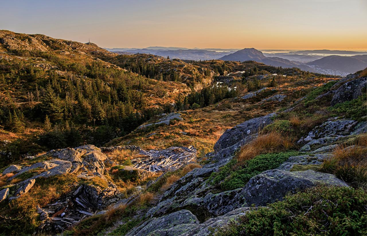 Обои для рабочего стола Норвегия Bergen Горы осенние Природа Камни гора Осень Камень