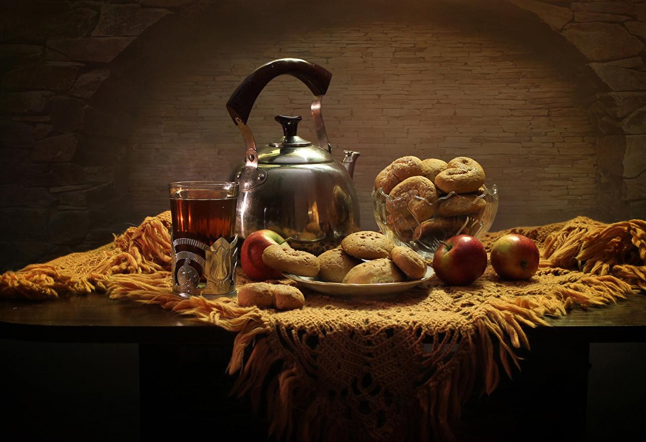 Картинки Чай Стакан Яблоки Чайник Еда стола Выпечка Натюрморт стакана стакане Стол Пища столы Продукты питания