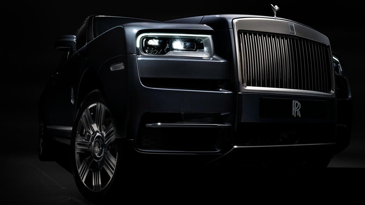 Картинка Роллс ройс 2018 Cullinan фар авто вблизи Rolls-Royce Фары машины машина Автомобили автомобиль Крупным планом