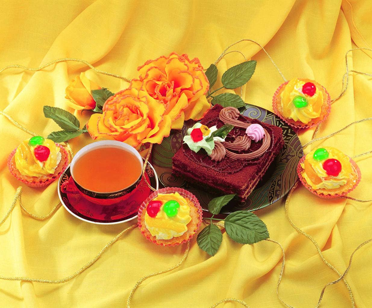 Фотографии Чай Торты Пирожное Еда Чашка Розы Натюрморт Пища чашке Продукты питания роза