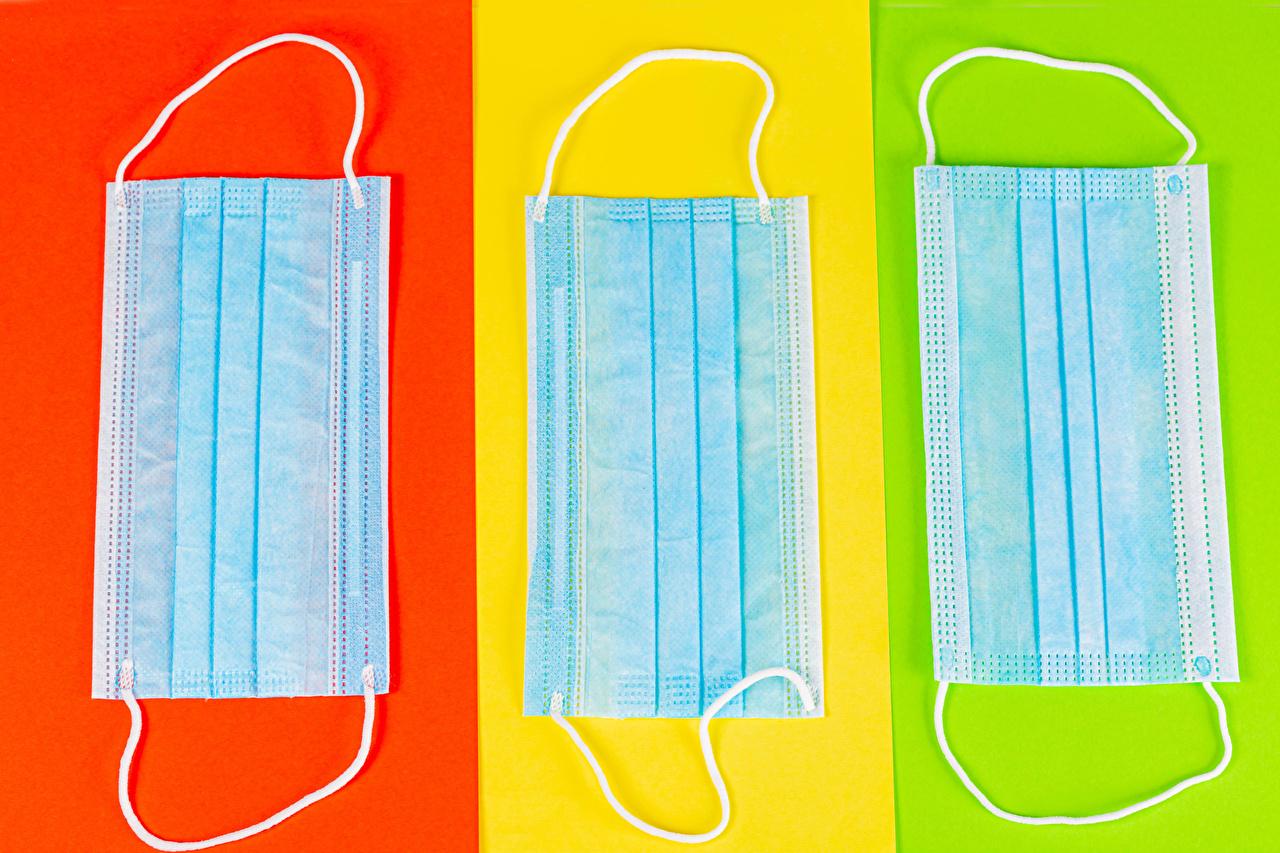 Картинка Коронавирус Маски втроем Цветной фон три Трое 3
