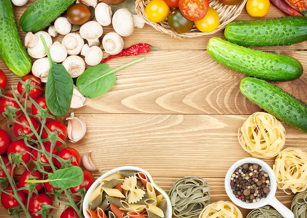 Картинки Огурцы Томаты Грибы Чеснок Еда Овощи Помидоры Пища Продукты питания