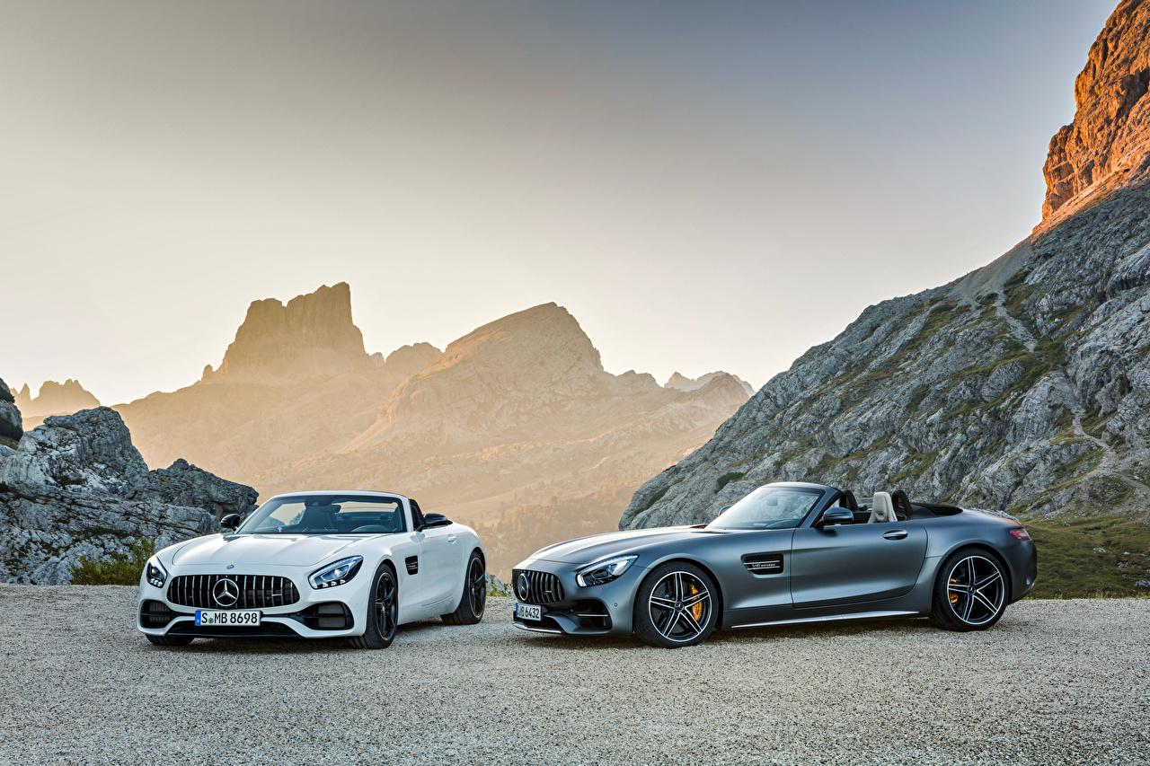 Обои для рабочего стола Mercedes-Benz AMG GT Кабриолет Двое автомобиль Мерседес бенц кабриолета 2 два две вдвоем авто машина машины Автомобили