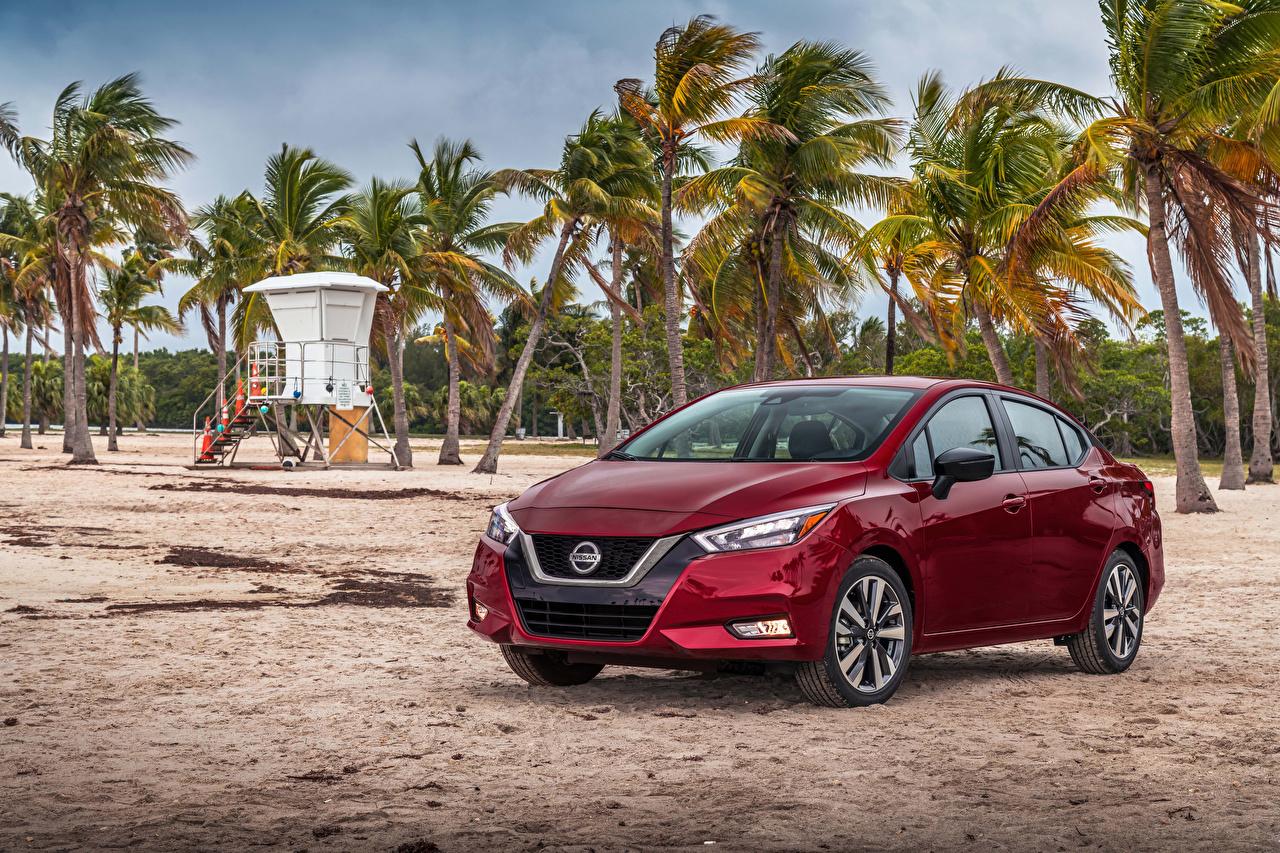 Фотографии Ниссан 2020 Versa SR бордовые Авто Nissan бордовая Бордовый темно красный Машины Автомобили
