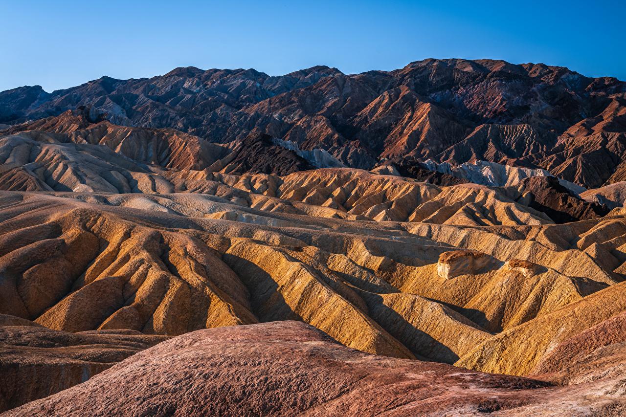 Фото Калифорния США Zabriskie Point, Death Valley National Park гора Скала Природа Парки калифорнии штаты америка Горы Утес скале скалы парк