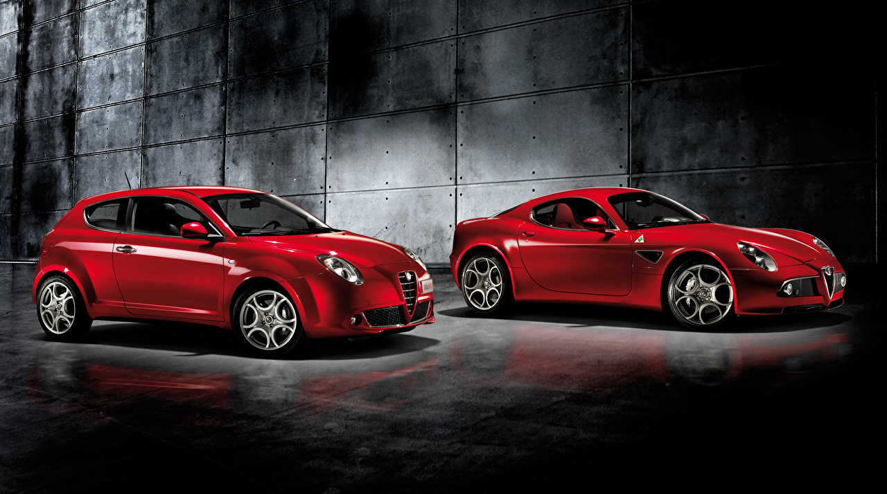 Фотография Альфа ромео вдвоем Красный машины Металлик Alfa Romeo 2 два две Двое красных красная красные авто машина автомобиль Автомобили
