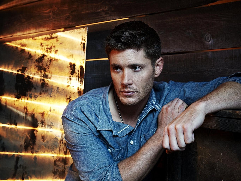 Фотографии Jensen Ackles Мужчины рубашке Знаменитости Дженсен Эклс мужчина Рубашка рубашки