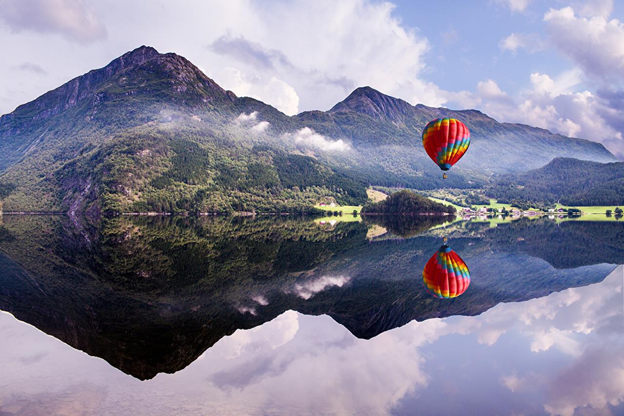 Фото Воздушный шар Andrés Nieto Porras гора Природа Небо Озеро Пейзаж аэростат Горы