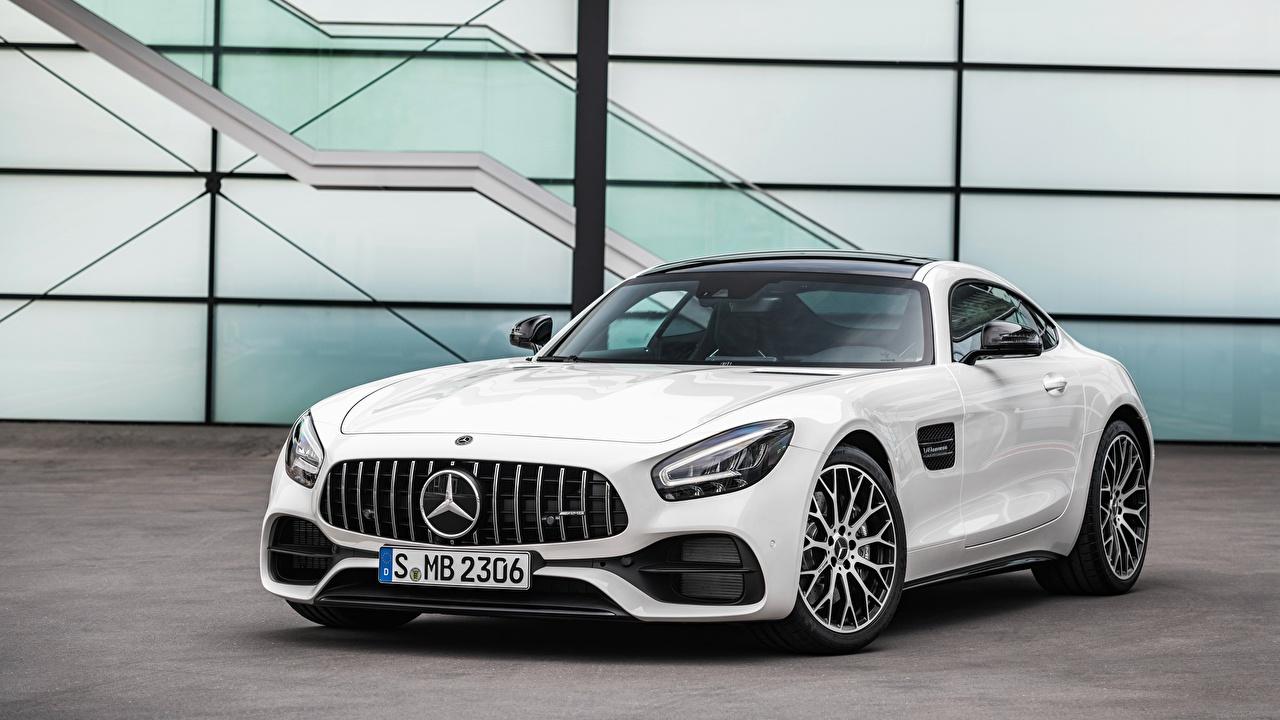 Картинки Mercedes-Benz AMG gt, 2019 белых машины Спереди Металлик Мерседес бенц белая белые Белый авто машина Автомобили автомобиль