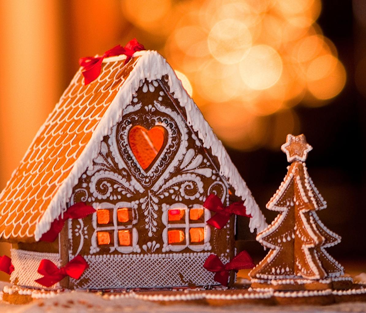 Фотография Пряничный домик Новый год Ель Пища Дома Выпечка Рождество ели Еда Продукты питания Здания