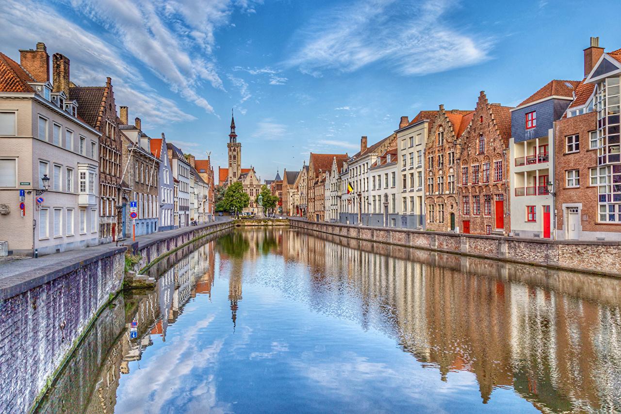 Фото Города Бельгия Брюгге Водный канал улиц Дома город Улица улице Здания