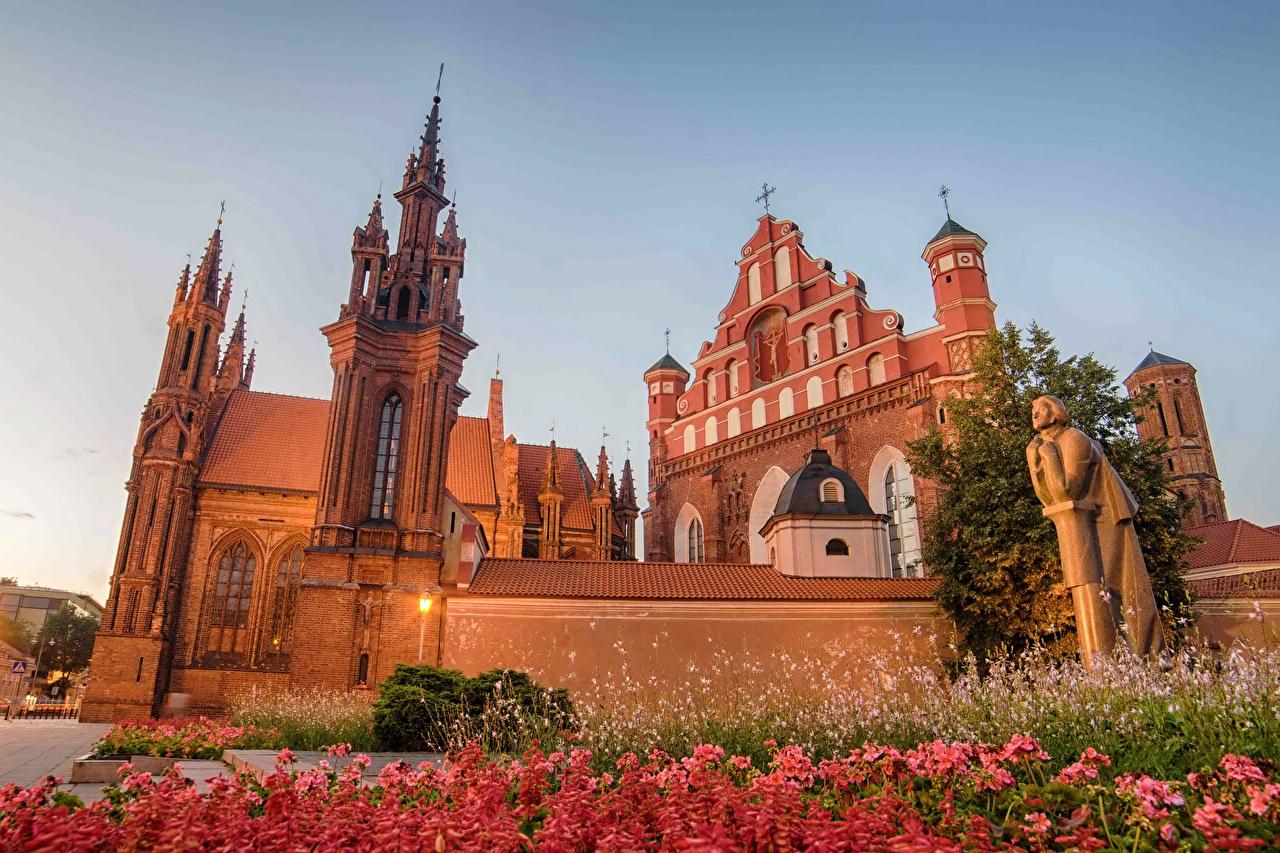 Фото Вильнюс Литва башни Храмы город Скульптуры Башня Города