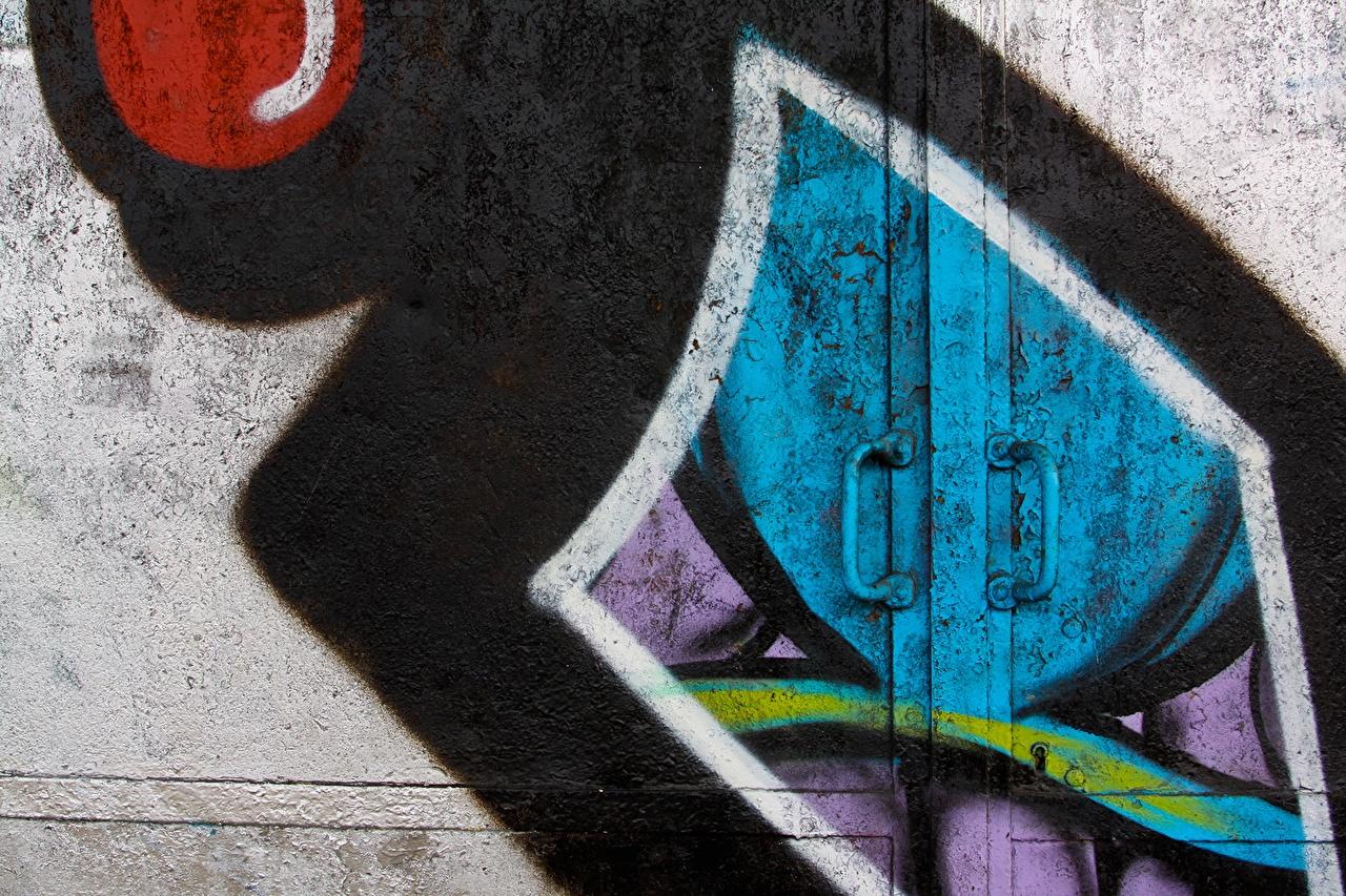 Картинки Граффити Дверь вблизи двери Крупным планом