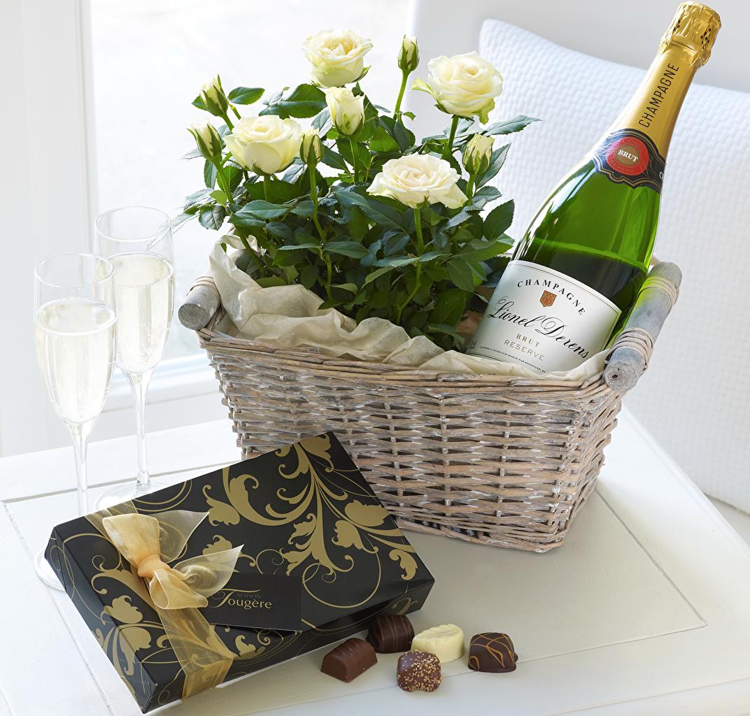 фото цветы шампанское конфеты