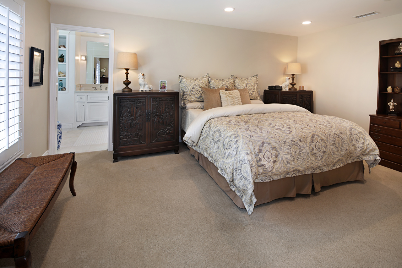 Картинка Спальня Интерьер ламп кровати Подушки дизайна спальни спальне лампы Лампа кровате Кровать подушка Дизайн