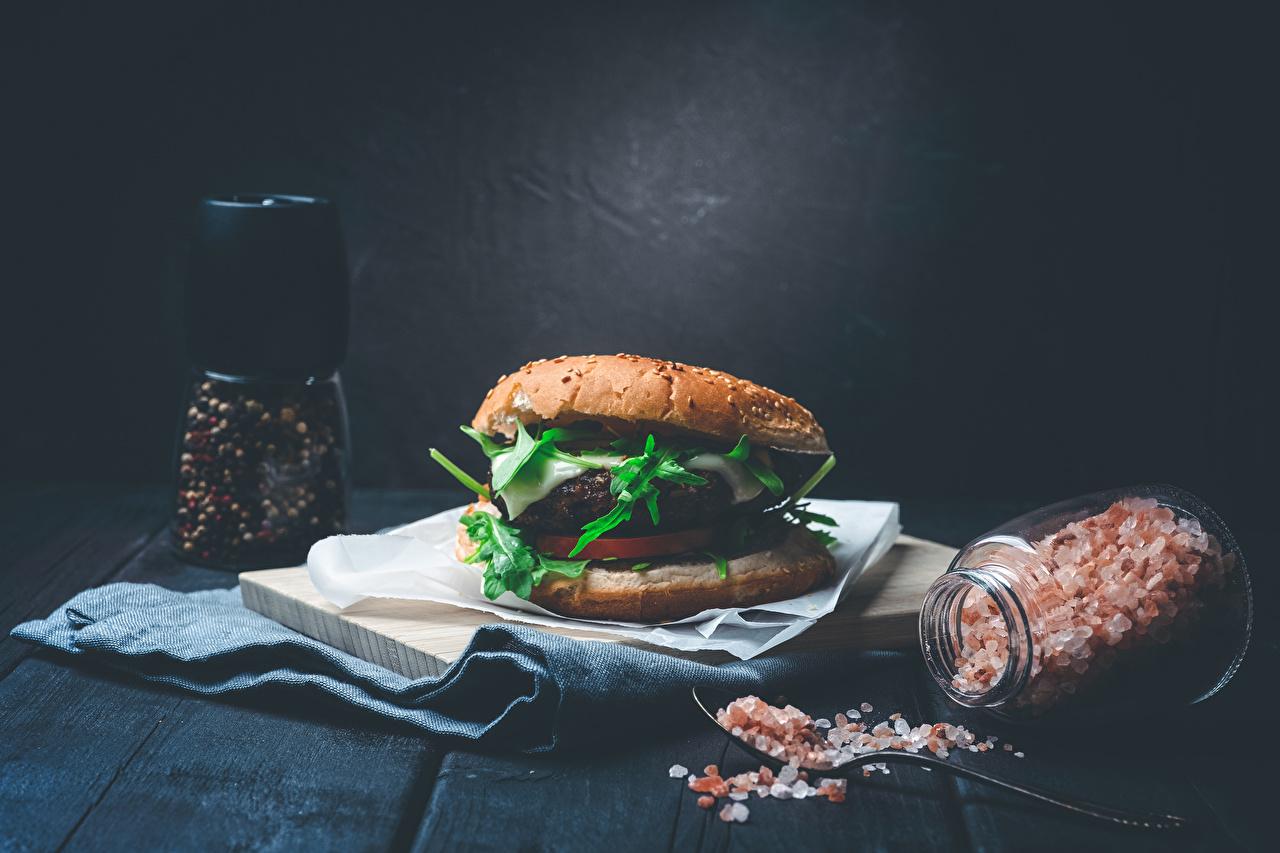 Фотография Гамбургер Перец чёрный Соль Банка Продукты питания Доски соли банке банки солью Еда Пища