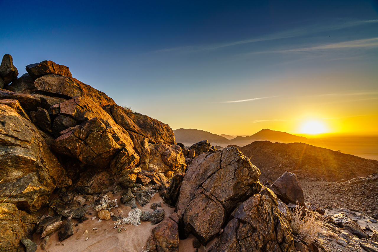 Картинки Африка Namib-Naukluft National Park, Namibia скале Природа рассвет и закат Камни Утес Скала скалы Рассветы и закаты Камень