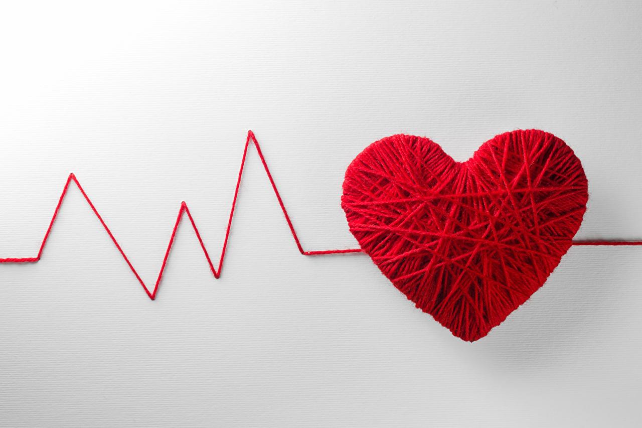 Фото День святого Валентина Сердце Красный Креатив Серый фон День всех влюблённых сердечко оригинальные