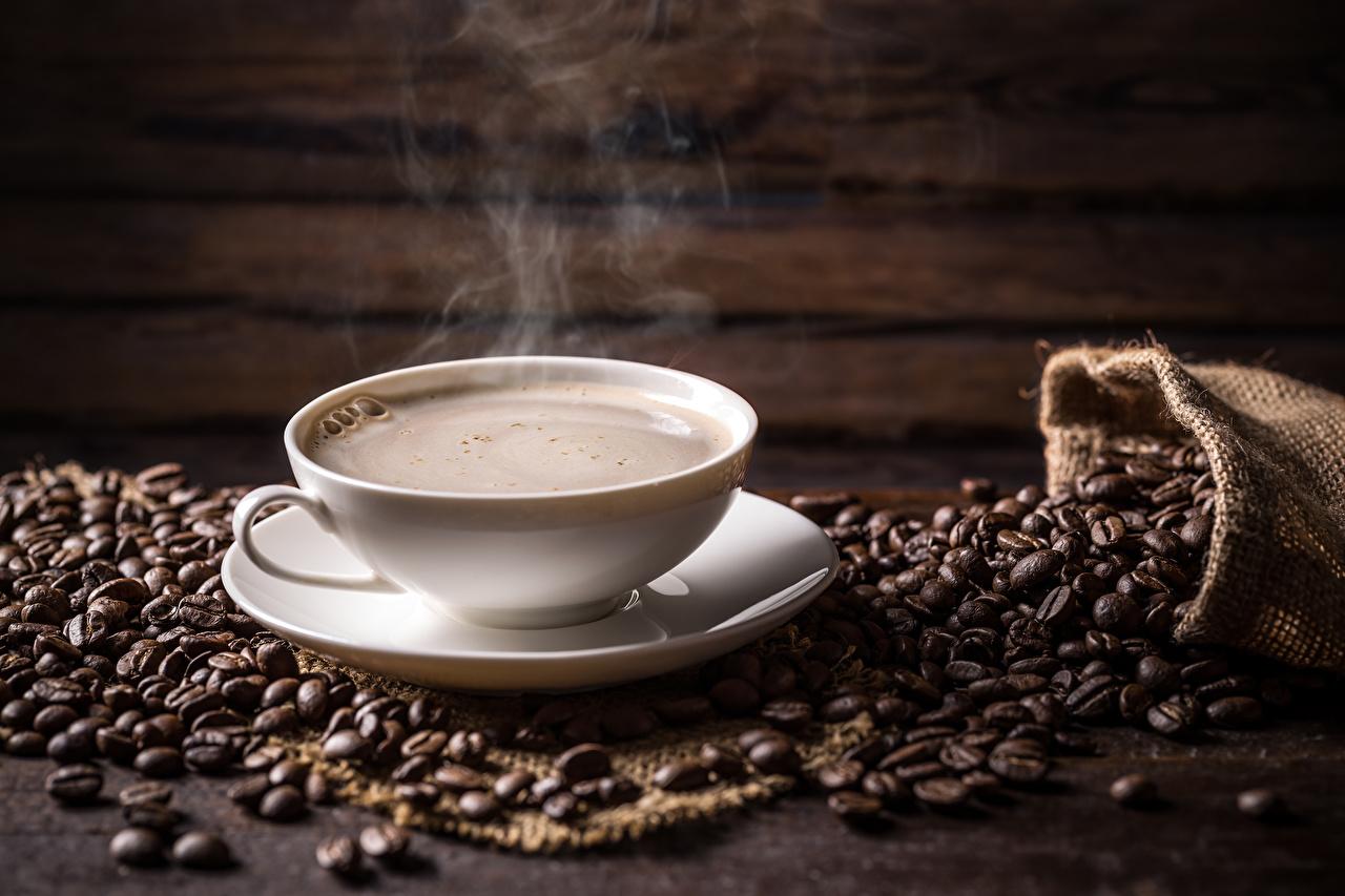 Картинки Кофе зерно Пар чашке Продукты питания Зерна Еда Пища пары паром Чашка