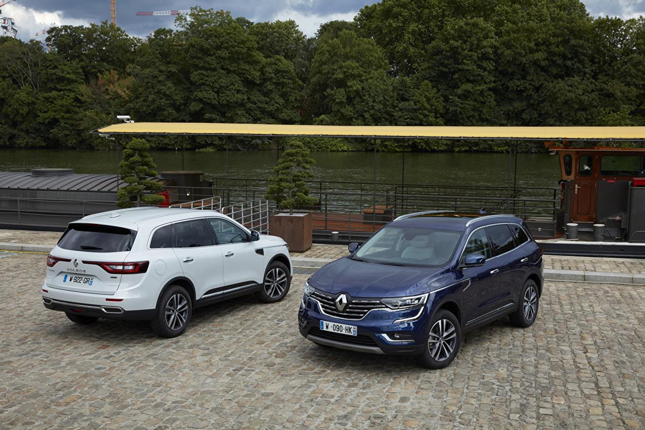Обои для рабочего стола Renault 2016 Koleos Двое машина Металлик Рено 2 два две вдвоем авто машины автомобиль Автомобили