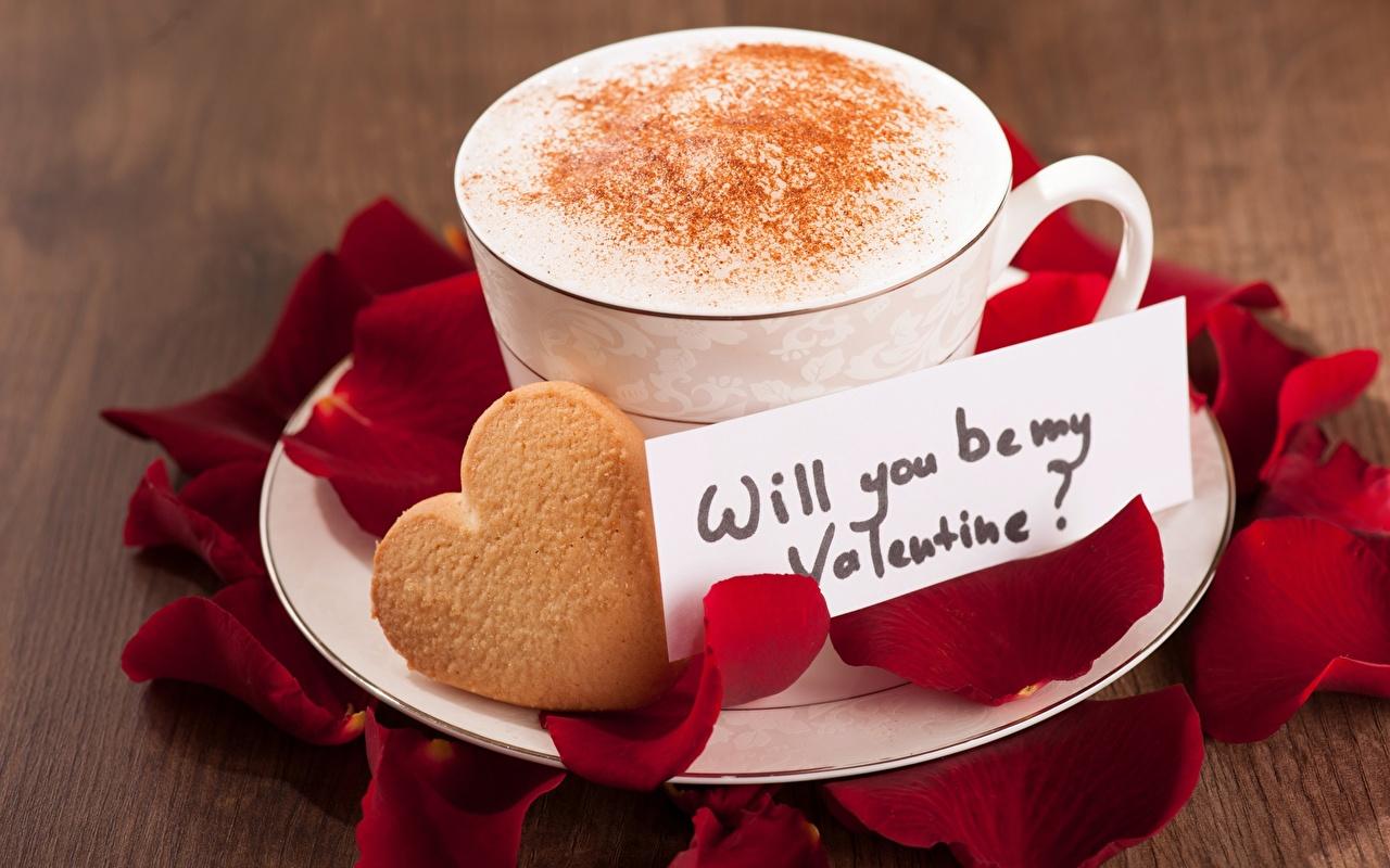 Обои для рабочего стола День святого Валентина серце will you be my Valentine? Лепестки Капучино Еда чашке Печенье День всех влюблённых Сердце сердца сердечко лепестков Пища Чашка Продукты питания