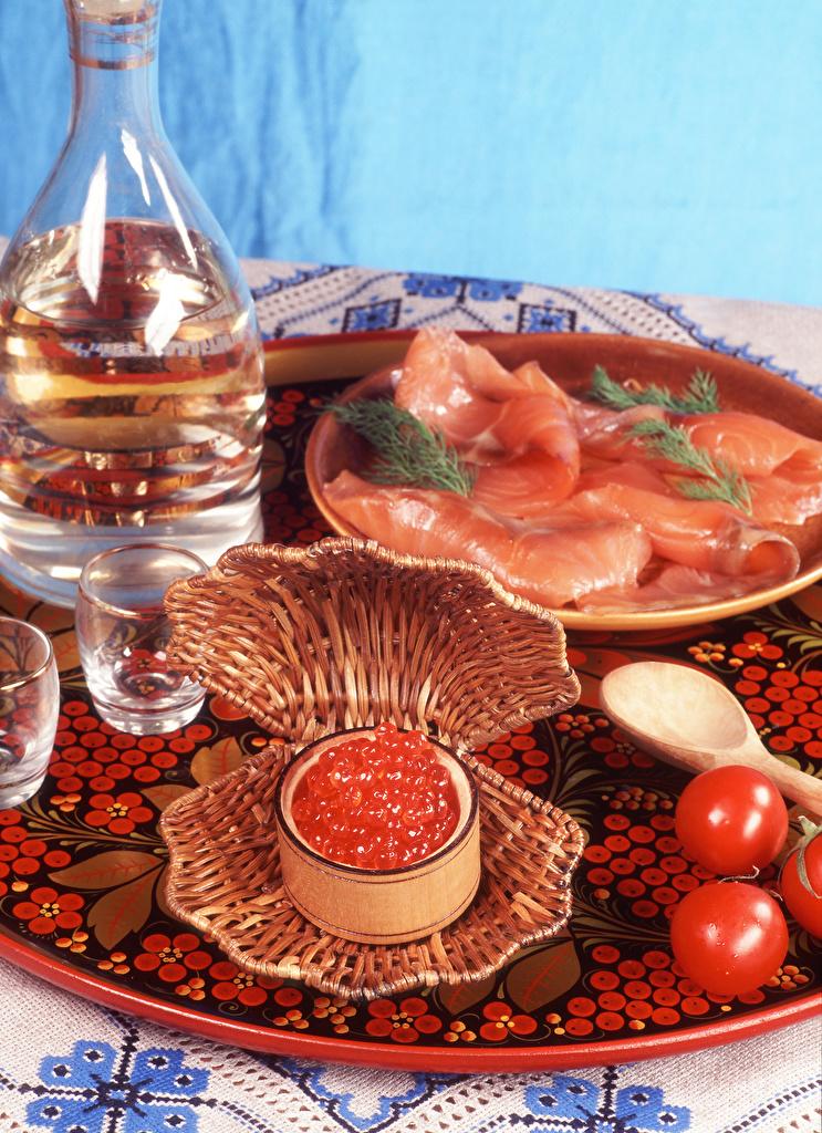 Картинки Водка Помидоры Икра Ветчина Пища Морепродукты  для мобильного телефона Томаты Еда Продукты питания