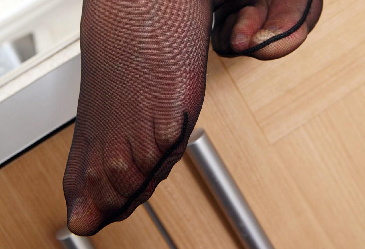 фото пальчики ног телочек в колготках