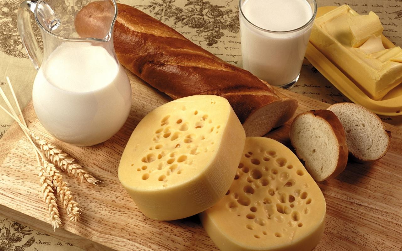 Картинка Молоко Сыры Хлеб Кувшин стакане Пища Стакан кувшины стакана Еда Продукты питания