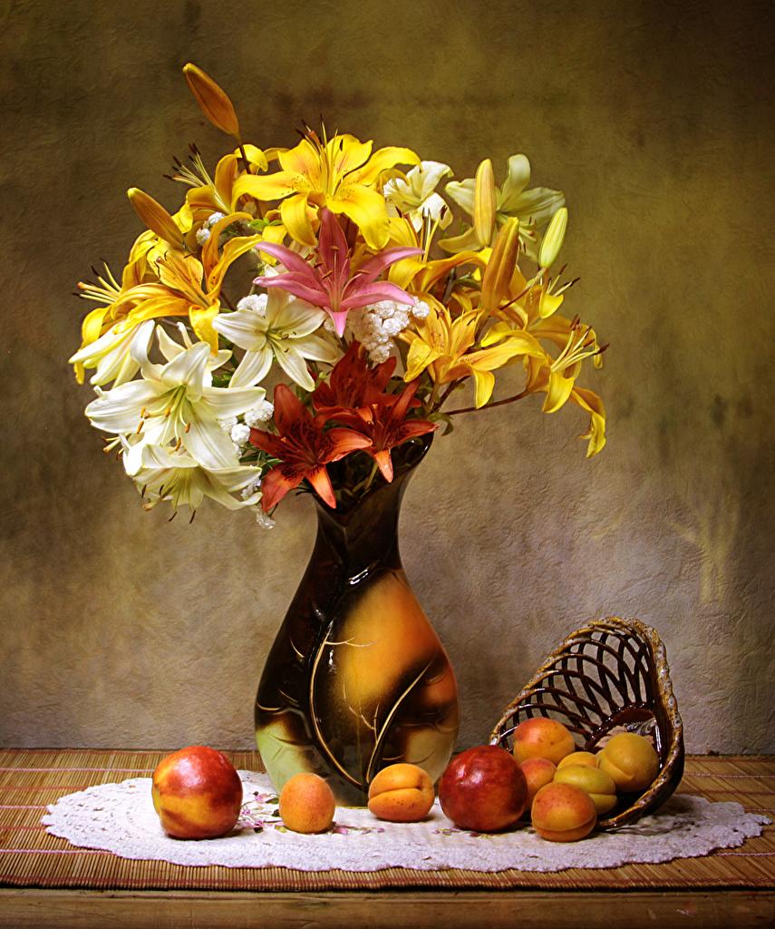 Фото Лилии Абрикос Цветы Персики Пища Ваза Натюрморт Еда Продукты питания