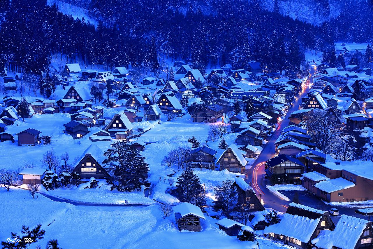 Картинка Япония Деревня Shirakawa-go and Gokayama зимние Снег Вечер город Здания село поселок Зима снега снегу снеге Дома Города