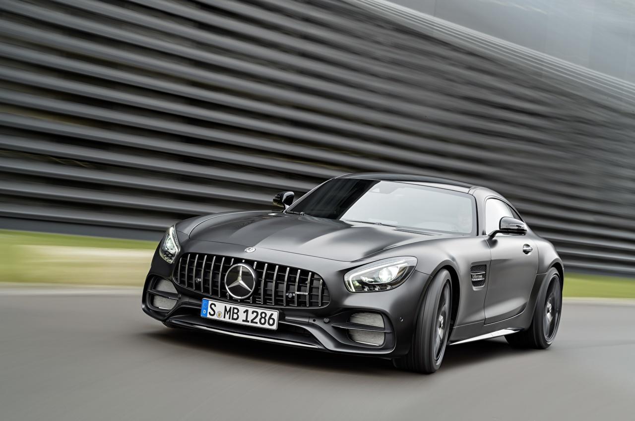 Фотография Mercedes-Benz AMG C190 GT-Class Серый едущий авто Мерседес бенц серая серые едет едущая Движение скорость машина машины Автомобили автомобиль
